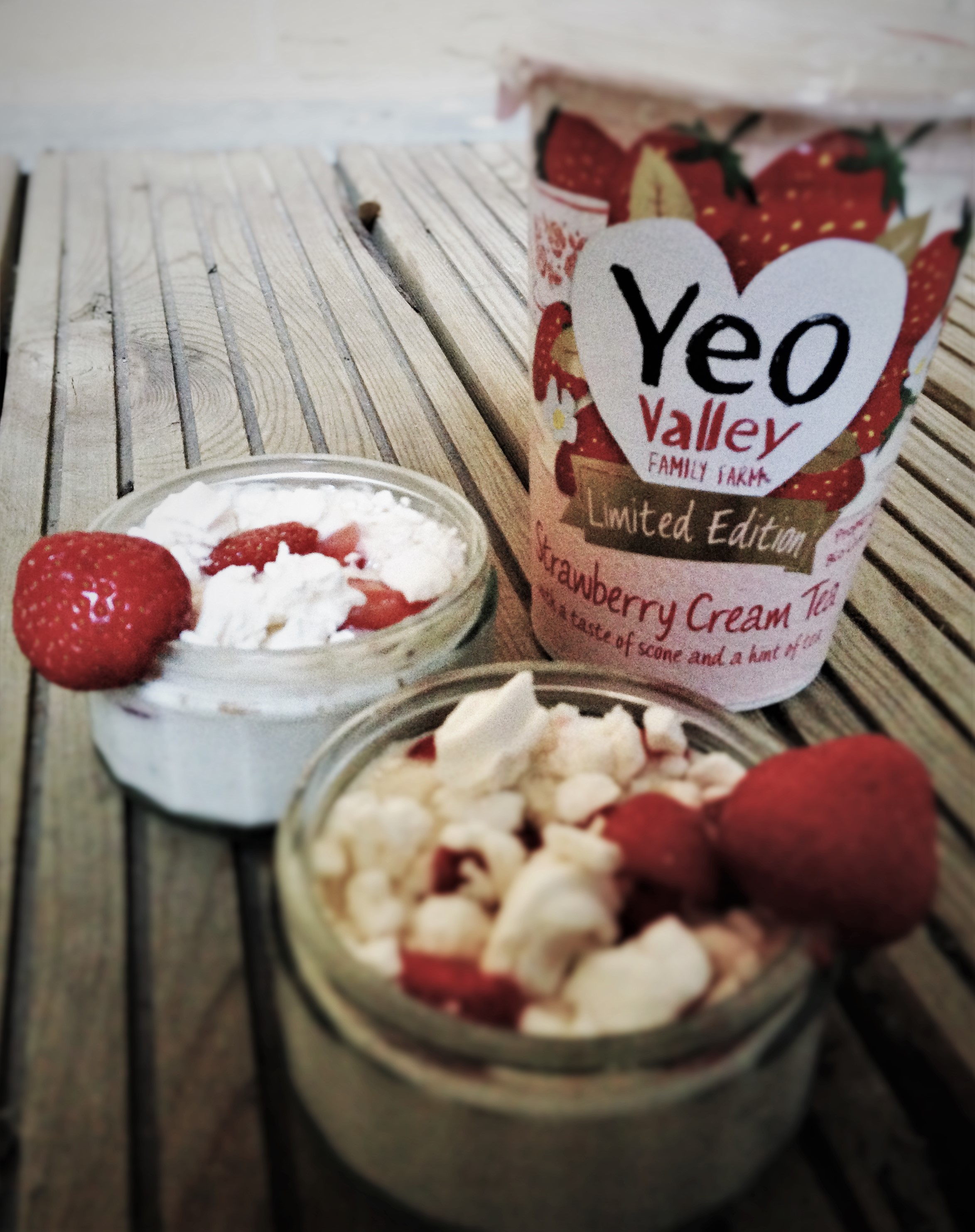 Yeo Valley Strawberry Cream Tea Yogurt - Eton Mess