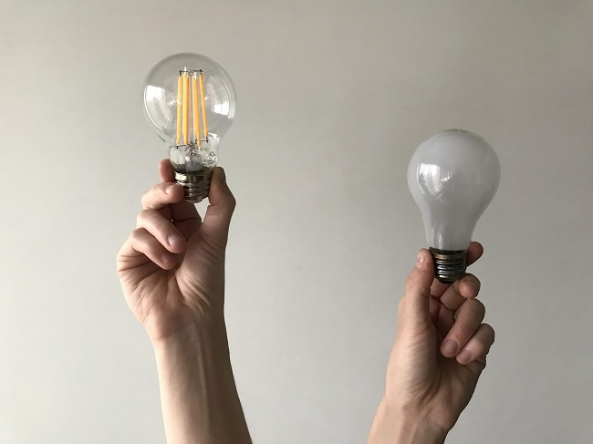 Energy saving filament light bulbs